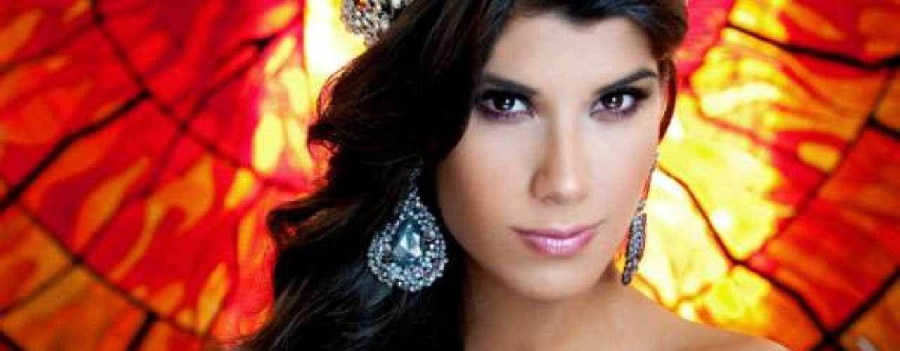 Miss México - María Elena Chagoya Triana. Tiene 18 años de edad, mide 1.81 metros de estatura y reside en Poza Rica
