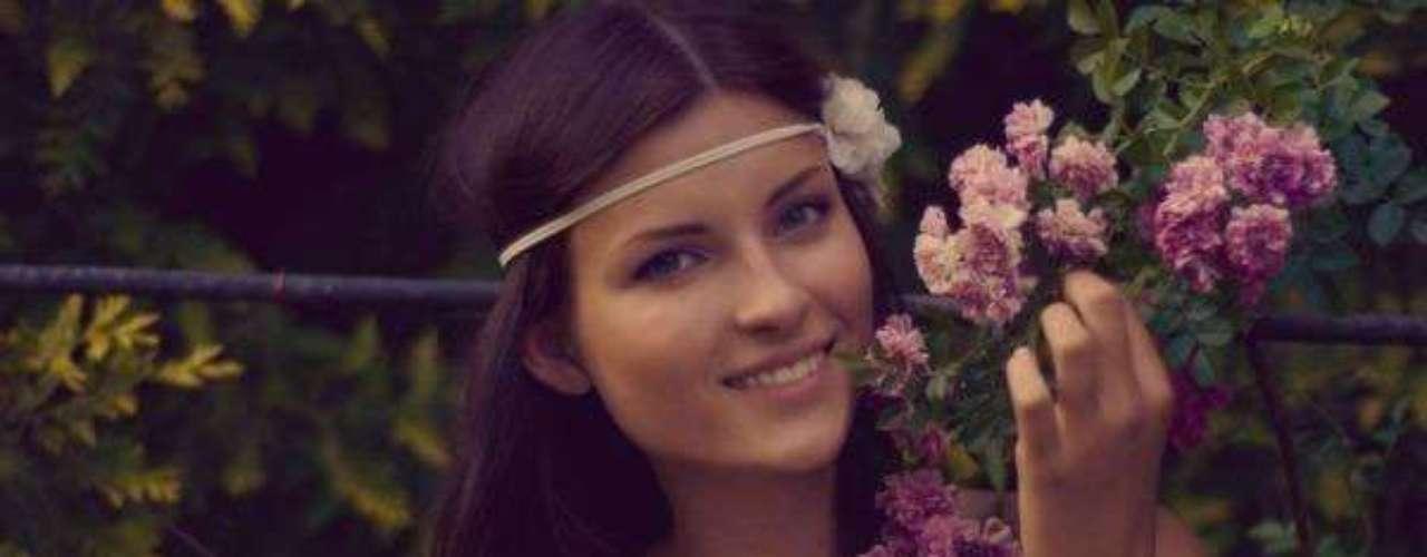 Miss Moldavia - Valeriya Tsurkan. Tiene 18 años se edad, mide 1.76 metros de estatura, reside en Tiraspol.