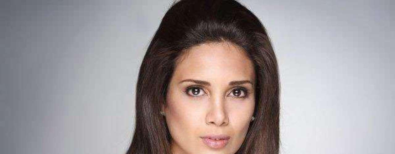 Miss Perú - Elba Mercedes Fahsbender Merino. Tiene 20 años de edad y mide 1.79 metros de estatura, reside en Piura