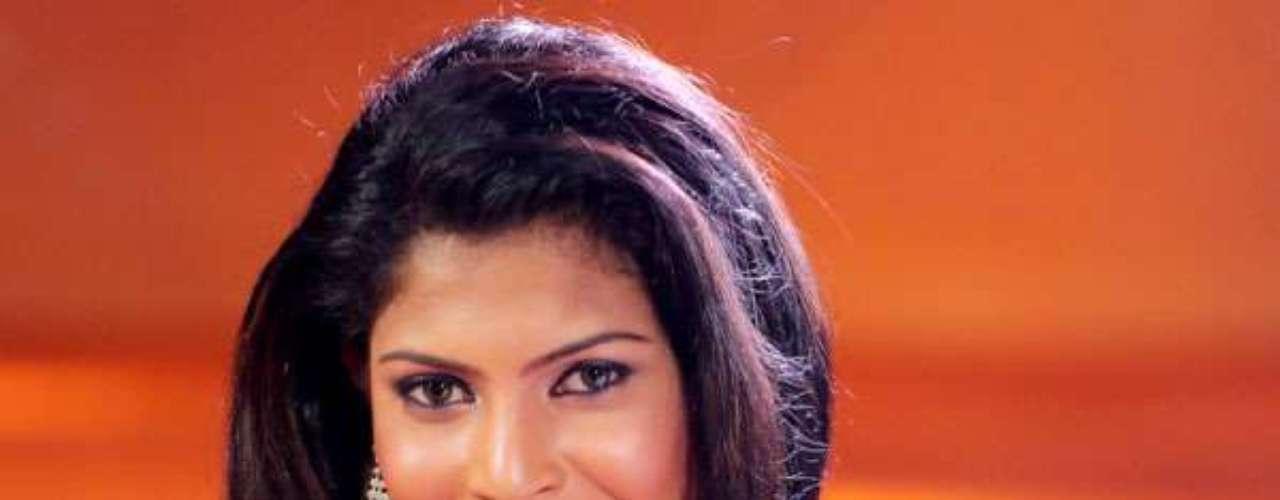 Miss Sri Lanka - Ginthota Vidanalage Iresha Asanki De Silva. Tiene 22 años de edad y mide 1.76 metros de estatura, reside en Moratuwa