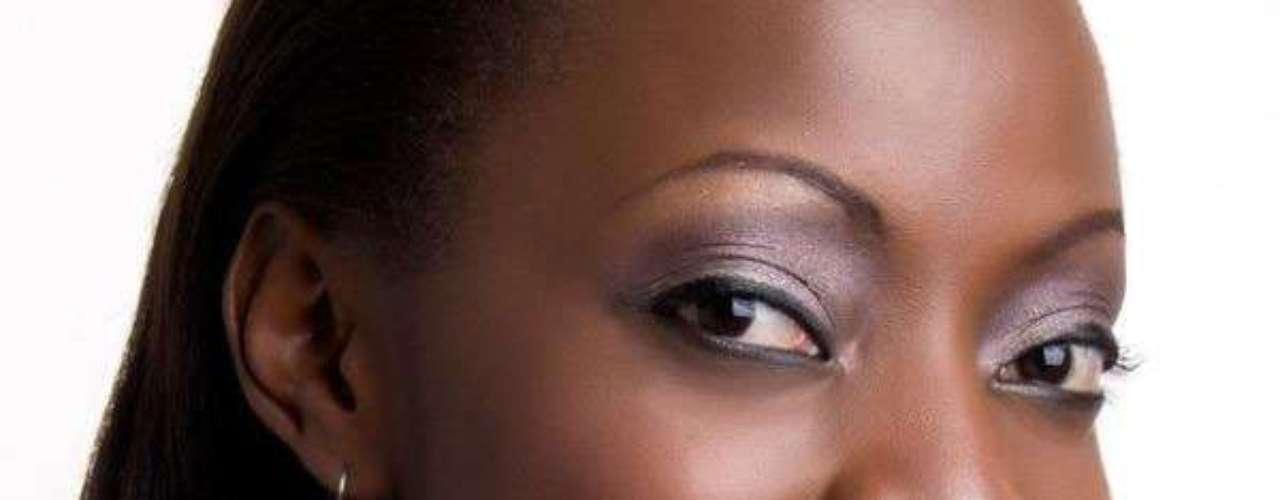 Miss Uganda - Stellah Nantumbwe. Tiene 22 años de edad, mide 1.70 metros de estatura y reside en Kampala