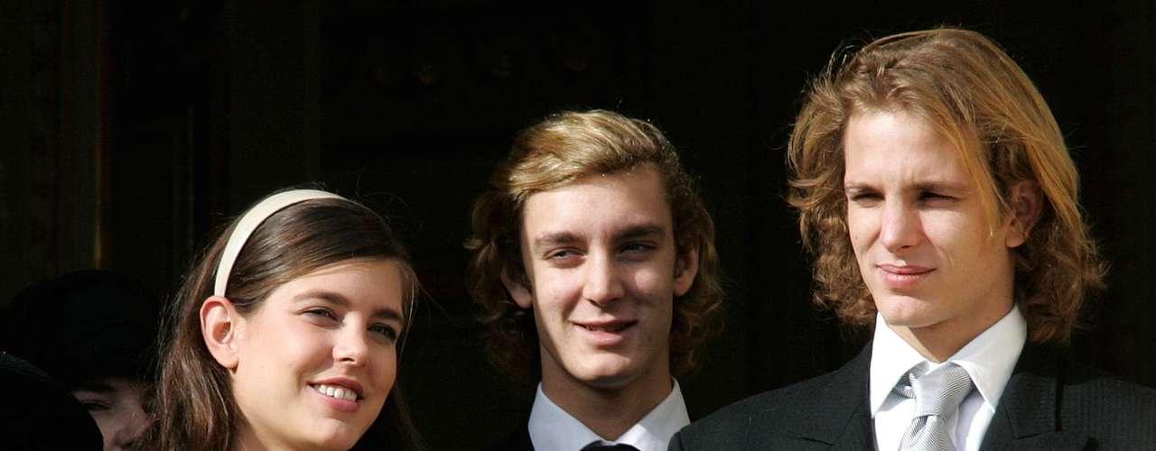 La familia Grimaldi al completo acudirá a la que no será la última boda en el Principado este 2013.