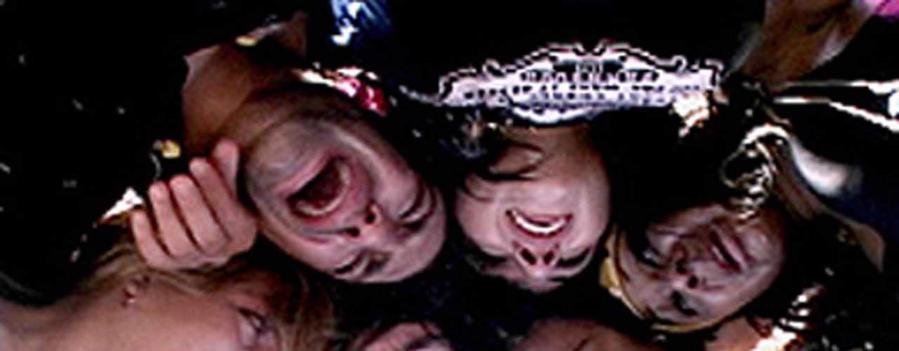 'Cuatro Labios'(2006). El mismo director ya había realizado otro documental similar, pero sobre los inicios y anécdotas más relevantes del grupo pop OV7.