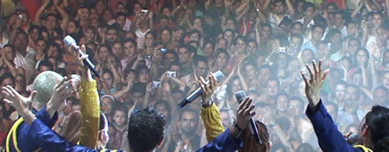 'Timbiriche, La Misma Piedra'(2008). Carlos Marcovich escribió y dirigió un largometraje documental sobre la segunda reunión del grupo Timbiriche (sin Paulina Rubio), que los llevó a presentar varios conciertos por la república.