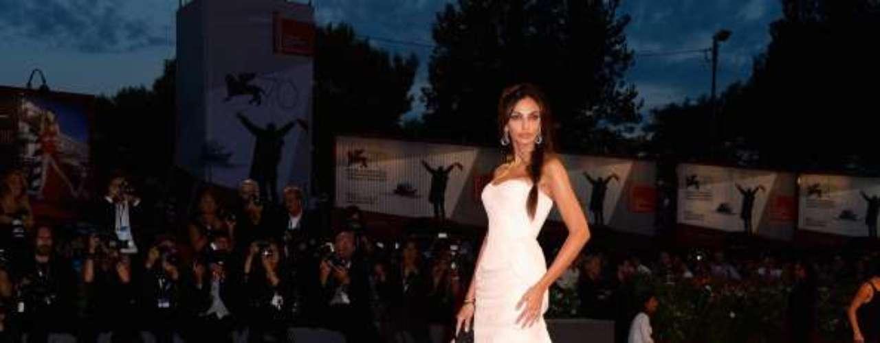 Madalina Ghenea, modelo y actriz rumana, en la alfombra roja del Premio Kineo, durante la 70 edición del Festival de Venecia.