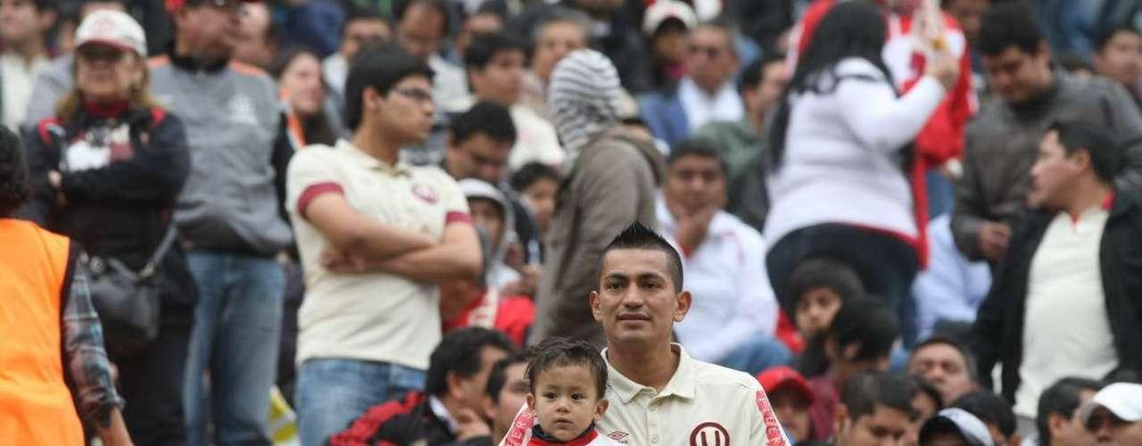 Revive las mejores imágenes del encuentro de Universitario con Cienciano en Monumental.