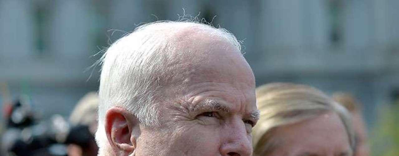 Tanto McCain como Graham criticaron al gobierno de Obama por estar avisando con tanta anticipación sobre sus planes de lanzar un ataque.