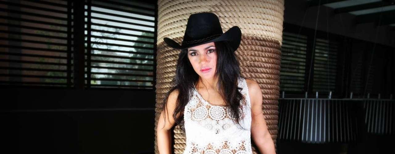 Vania Bludau, bailarina de El Gran Show en sesión de fotos para el lente de Terra Perú. Zapatos: Platanitos boutique / www.platanitos.com / Locación: El Pardo DoubleTree by Hilton. Jr. Independencia 141 Miraflores Telf: 617-1000 Web: www.lima.soubletree.com