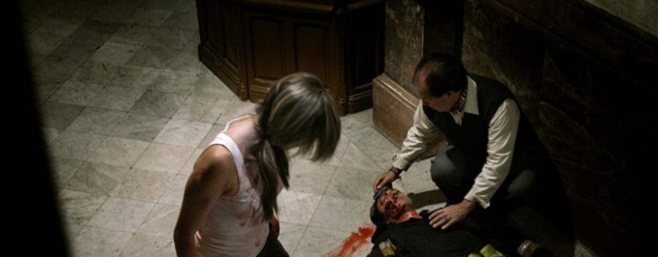 Se trataba de un falso reportaje de televisión, realizado en un bloque de pisos en el centro de Barcelona, cuyos vecinos habían sufrido una infección que los convirtió en una suerte de zombis hambrientos de carne humana. Presupuesto: 9 millones de dólares Recaudación: 321 millones de dólares