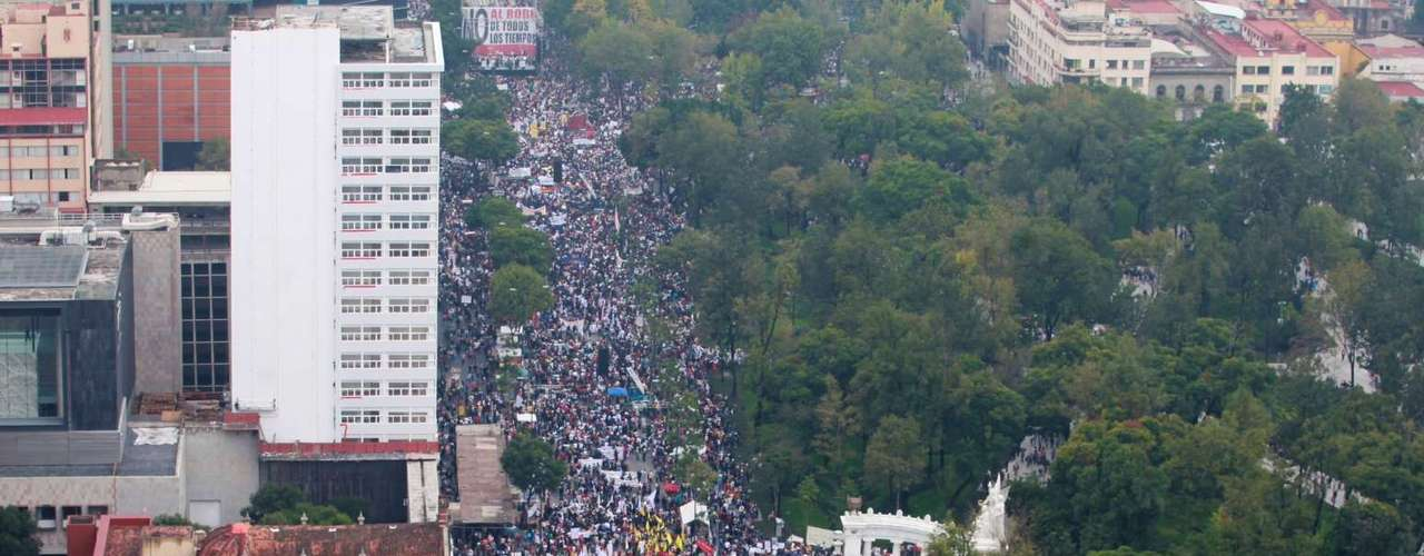 Según un reporte de la Secretaría de Seguridad del DF, en el lugar se concentraron alrededor de 30 mil personas.