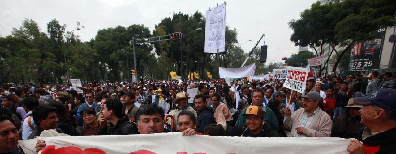 Además, justificó que no se celebrara el acto en el Zócalo porque maestros de la CNTE se están manifestando en defensa de sus derechos.