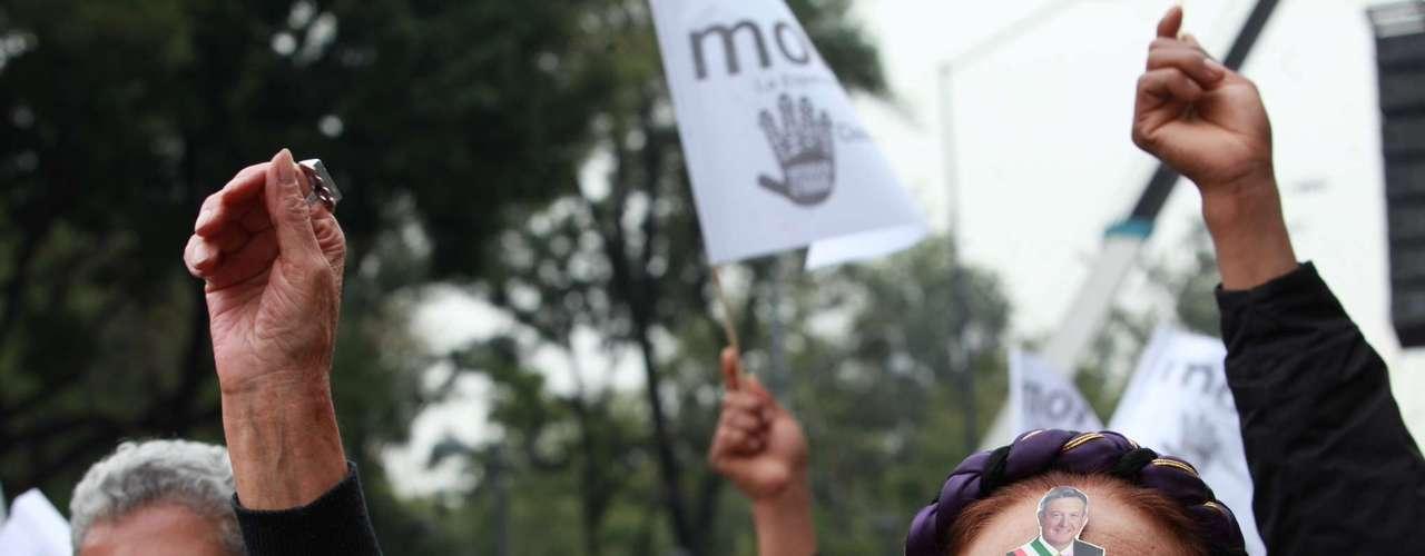 AMLO participó hoy en un mitin en el centro de la Ciudad de México donde se pronunció contra la eventual privatización de Pemex debido a la reforma energética que propuso el presidente Enrique Peña Nieto.