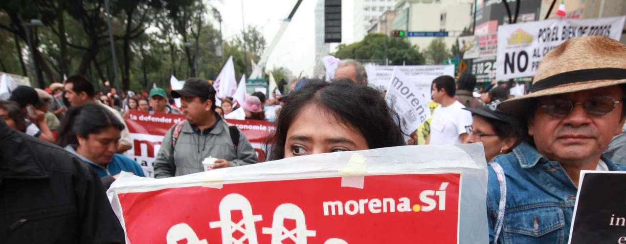 Andrés Manuel López Obrador convocó a una gran marcha nacional para el domingo 22 de septiembre, del Ángel de la Independencia al Zócalo capitalino.
