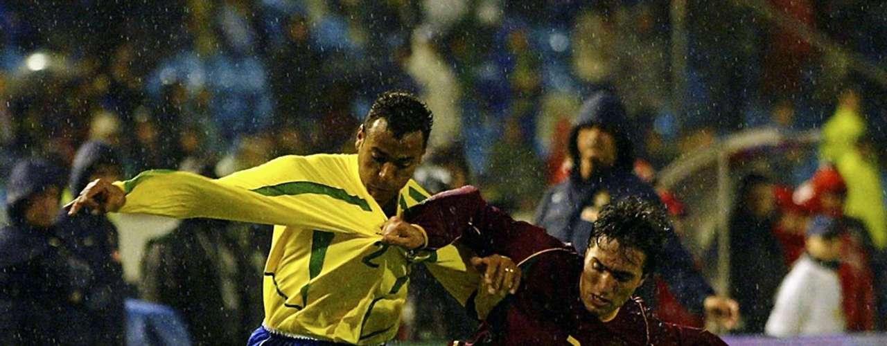 Portugal venció 2-1 a Brasil en un amistoso en 2003.