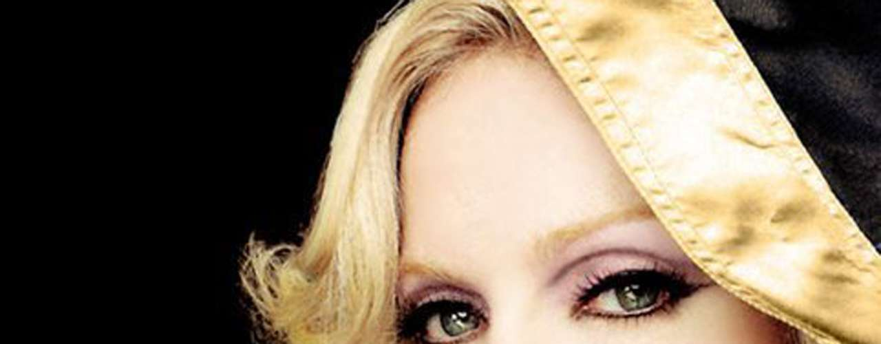 Madonna. La cantante ha desatado escándalos por las poses que suele usar en sus videos pero en los 80 la 'Reina del Pop' se atrevió a decir que su pareja de entonces, el actor Sean Penn, la golpeó.