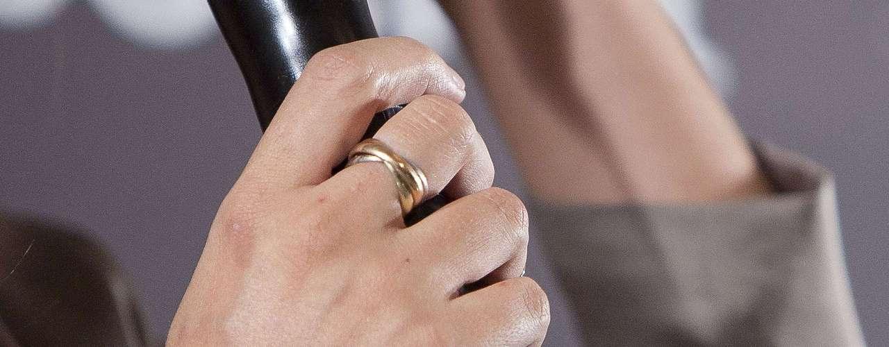 La periodista lucía en la mano derecha el Trinity de Cartier que le regaló Iker.