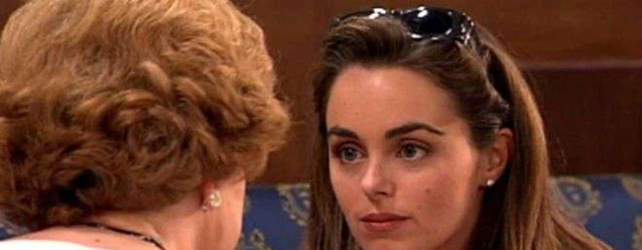 Carmen Morales, la hija de Rocio Dúrcal y Junior, fue uno de los rostros conocidos de la primera temporada de la serie. Hoy parece alejada de las cámaras. Su última aparición fue en 'Amar en tiempos revueltos' en 2010.