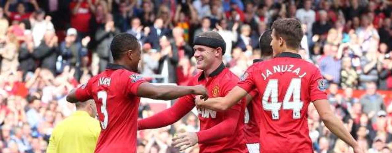 Con goles de Robin Van Persie y Wayne Rooney, Manchester United venció 2-0 al Crystal Palace, con lo que sumó su segundo triunfo de la presente campaña.