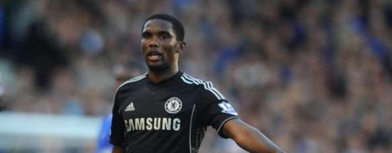 Samuel Eto'o no pudo pesar en el ataque del Chelsea.