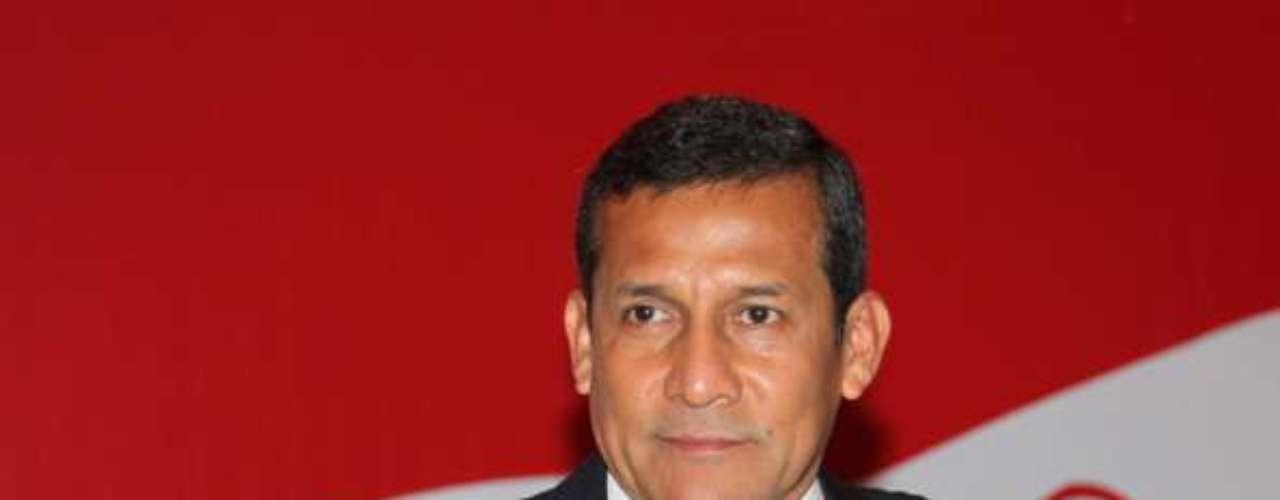 El presidente peruano Ollanta Humala también ha hecho de las suyas con, quizás, despistes. Un día dijo Me agrada ver que hay algunas mujeres que están con su casco de trabajo, pero la mayor parte son varones, pero como están con pelo largo parecen mujeres. ¡Córtense el pelo!. Sus palabras causaron disgusto entre los peruanos y muchas burlas en las redes sociales.