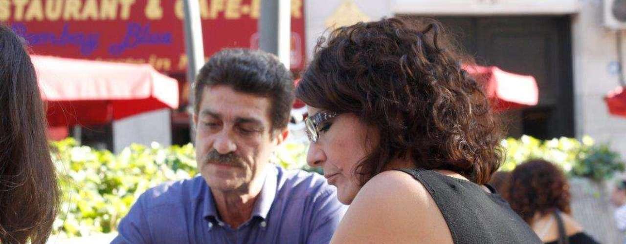 El regreso a España de los que fueran suegros de Raquel Sánchez Silva tuvolugar el mismo día en el que la presentadora decidióponer fin a su luto para regresar a la vida laboral, de la que se había retirado temporalmente tras los tristes acontecimientos.