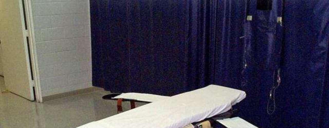 En el estado de Kentucky , en los últimos 30 años, más condenados a muerte han fallecido por causas naturales que por ejecuciones.