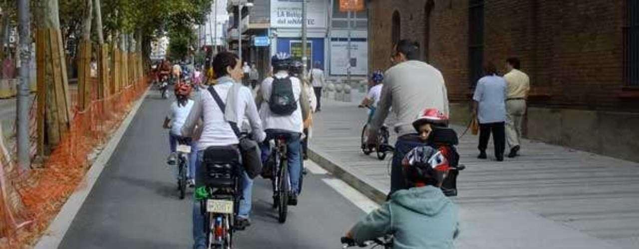 Obligatoriedad del uso del casco para menores que circulen en bicicleta tanto en ciudad como en vías interurbanas es otra de las medidas. Finalmente el Congreso ha aprobado que sea solo para menores de 16 años