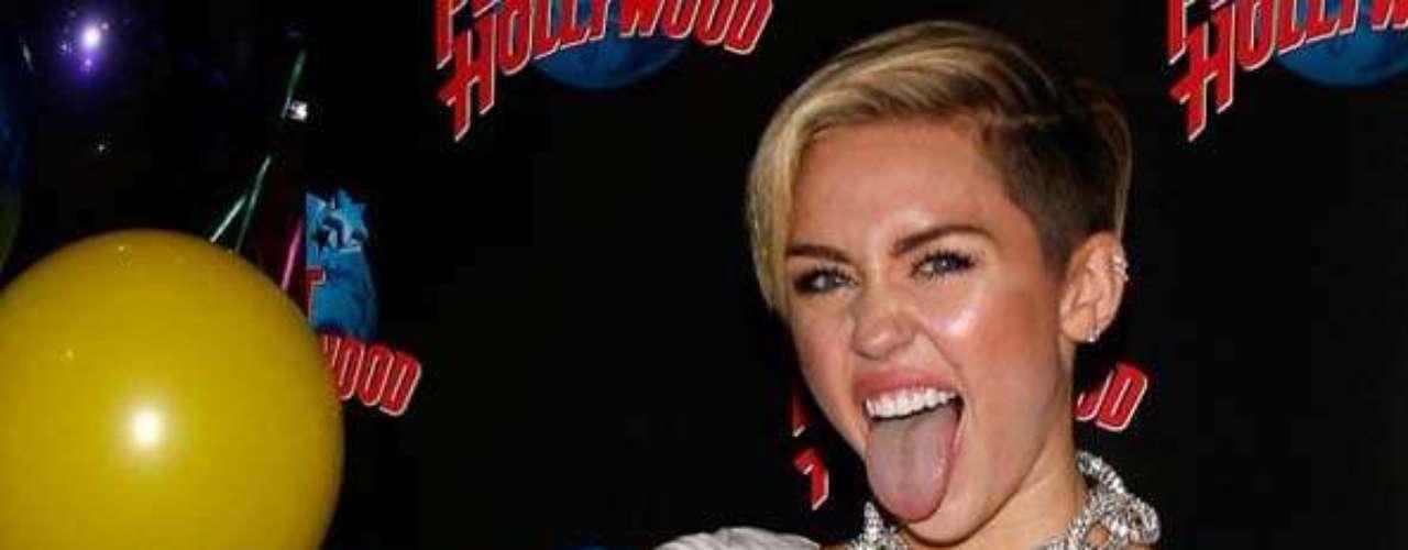 """Miley Cyrus en la fiesta de lanzamiento oficial de su disco """"Bangerz"""" en Nueva York."""