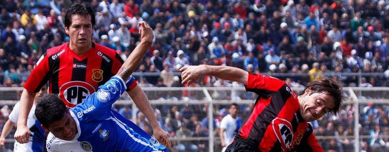 Antofagasta vs Rangers; 16 horas; Bicentenario Calvo y Bascuñán.
