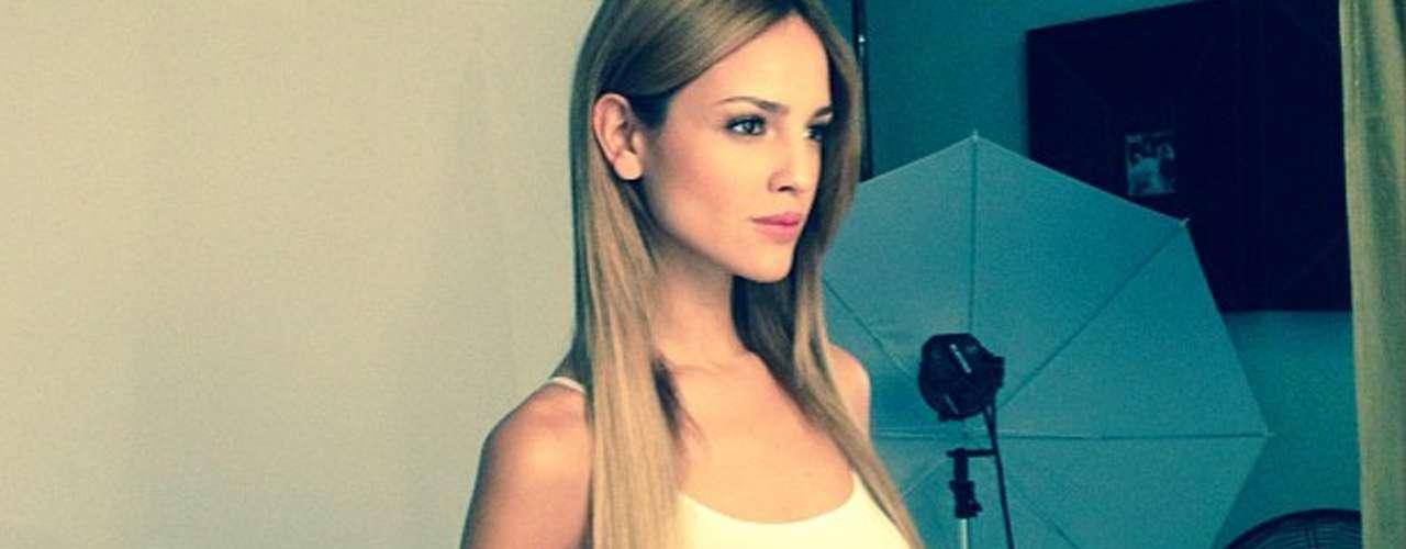 Los fans y detractores de Eiza González libran una batalla para defenderla o atacarla en Instagram.