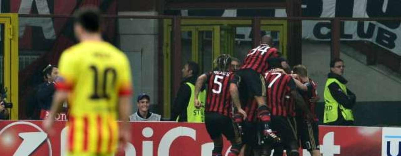 El Milan celebra el gol de Robinho
