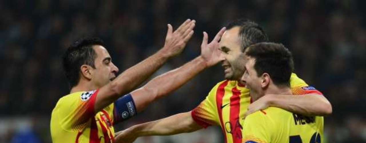 Messi, Xavi e Iniesta celebran el empate a uno