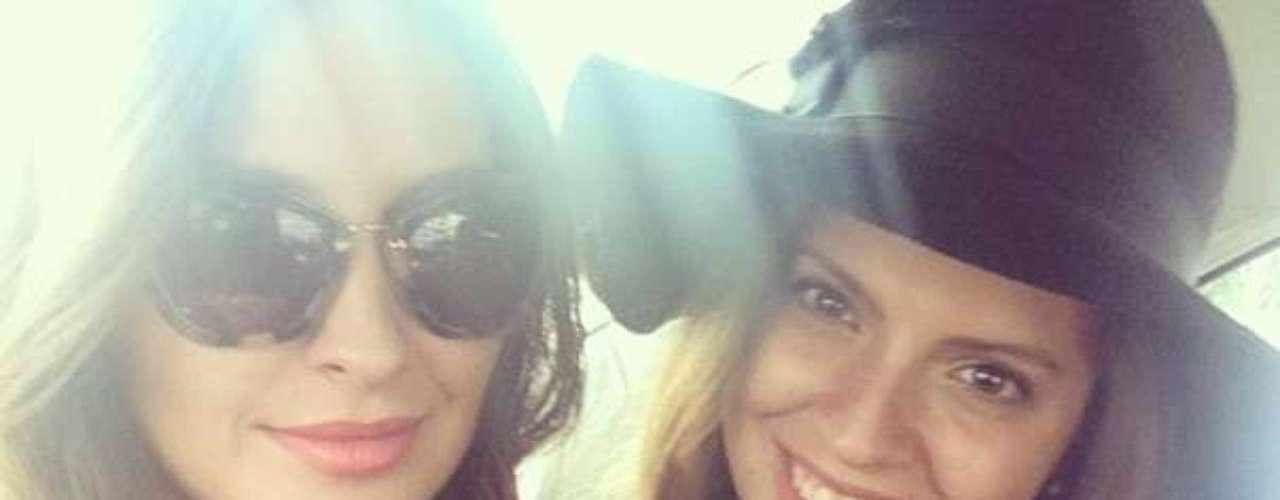 Taliana y Ana Laura tienen fotos en Grecia, Santa Marta, Bogotá, entre otros destinos.