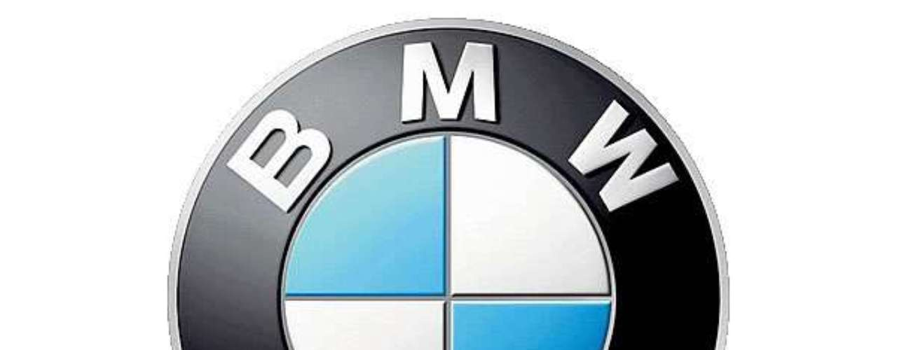 BMW. Utiliza los colores y forma de la bandera cuadriculadade Bavaria, además de hacer referencia a una hélice, dado que la firma alemana en sus inicios era fabricante de motores aeronáuticos.