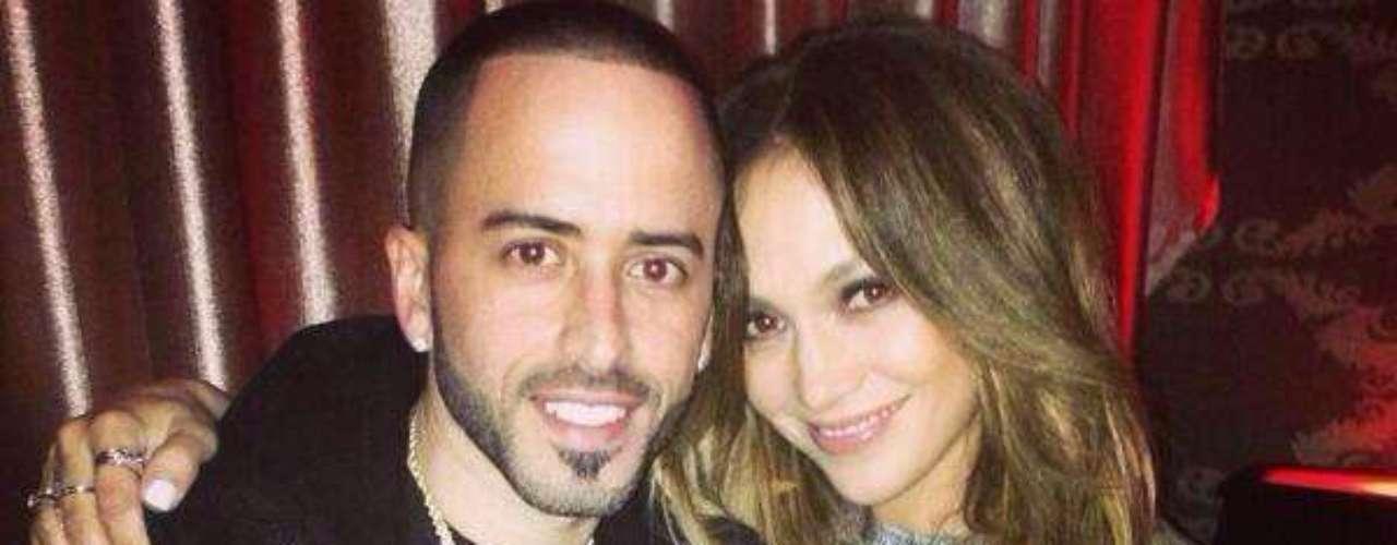 7 de Noviembre - Jennifer López considera a su colega Yandel como un miembro de su familia, pues en su nueva etapa como solista le mandó sus mejores deseos publicando en Twitter esta foto con el siguiente mensaje: \
