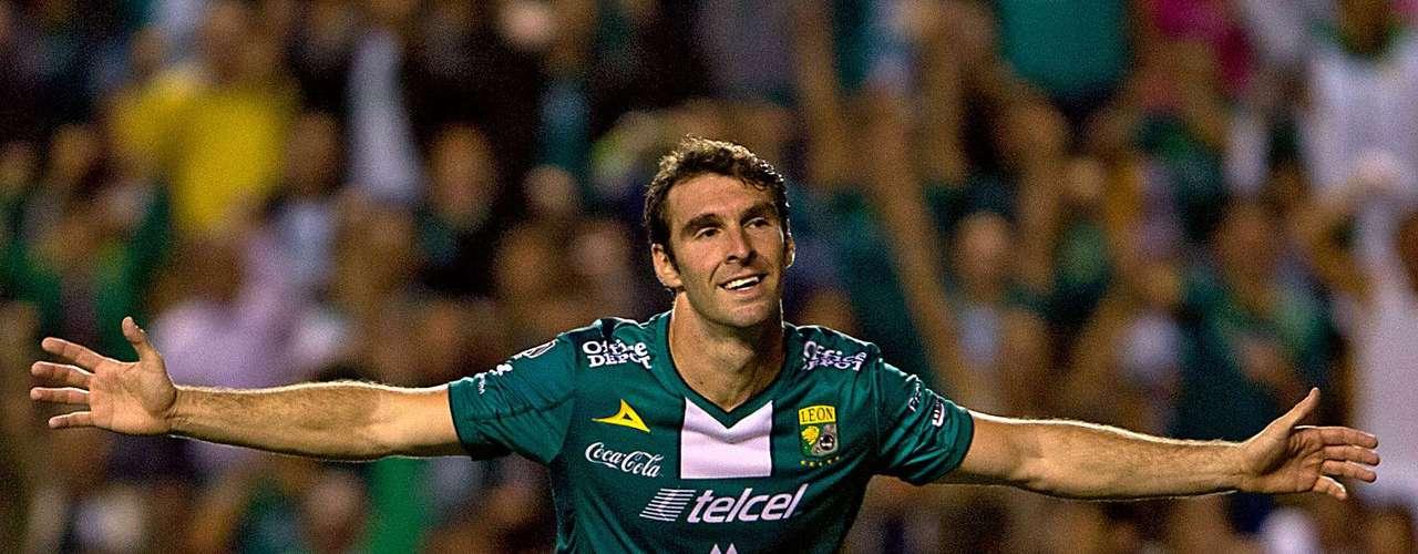 Mauro Boselli tuvo una grandiosa noche y firmó cuatro goles en la victoria de León de 5-0 ante Xolos. La Fiera terminó en tercero de la tabla y ahora va ante Morelia en la la fase final, mientras en Tijuana ya se despidió al timonel Jorge Francisco Almirón.