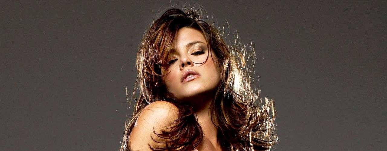 Alicia Machado se ha desnudado para Playboy una o dos veces.