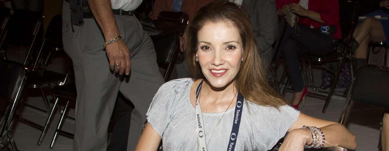 En febrero de 2013 la revista TV Notas aseguró que la actriz se había casado en secreto con un hombre 25 años mayor, pero que vivían en casas separadas; hecho que nunca fue confirmado.