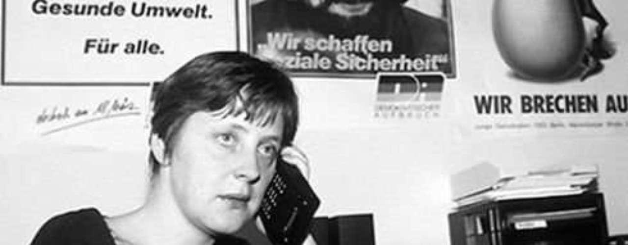 Sus compañeros dicen que Merkel siempre prefirió el vodka y la cerveza en las fiestas universitarias.
