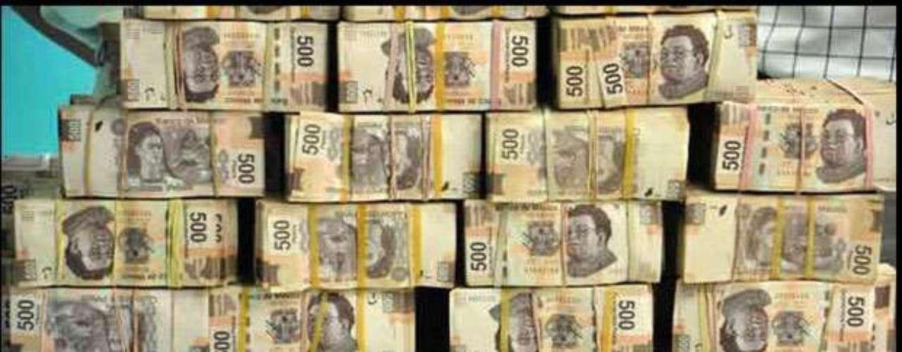 EL hijodel narcotraficanteIsmael El Mayo Zambada, Serafín, presumió en Twitter algunos de los lujos que vive. En esta imagen escribió \