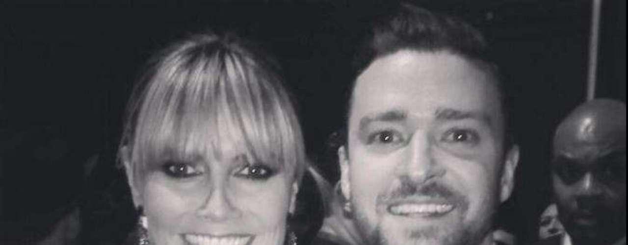 Heidi Klum compartió esta foto con Justin Timberlake en los American Music Awards, diciendo: \