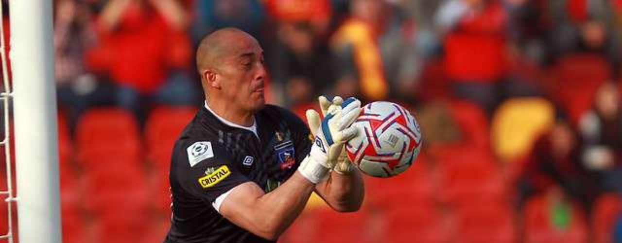 EDUARDO LOBOS: A final de temporada, el golero culmina su vínculo con Colo Colo y no seguiría en Macul. Everton está interesado en sus servicios.