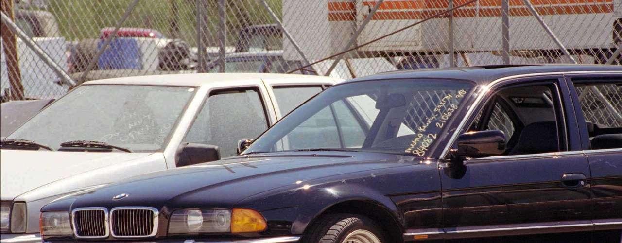 El 7 de septiembre de 1996 el auto donde iba Tupac fue baleado por una banda rival de Tupac para seis días más tarde, perdiera la vida en el hospital. AL momento aún no se sabe a ciencia cierta quién lo asesinó.