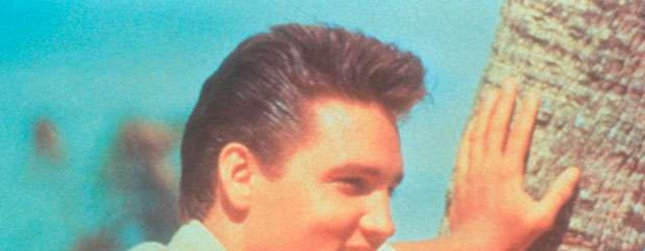 Elvis Presley también fue encontrado sin vida por su entonces pareja.