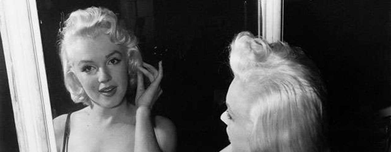 Marilyn Monroe falleció el 5 de agosto de 1962 a los 36 años. Su muerte, se dijo en su momento, fue causada por barbitúricos, aunque muchos creen que fue un asesinato.
