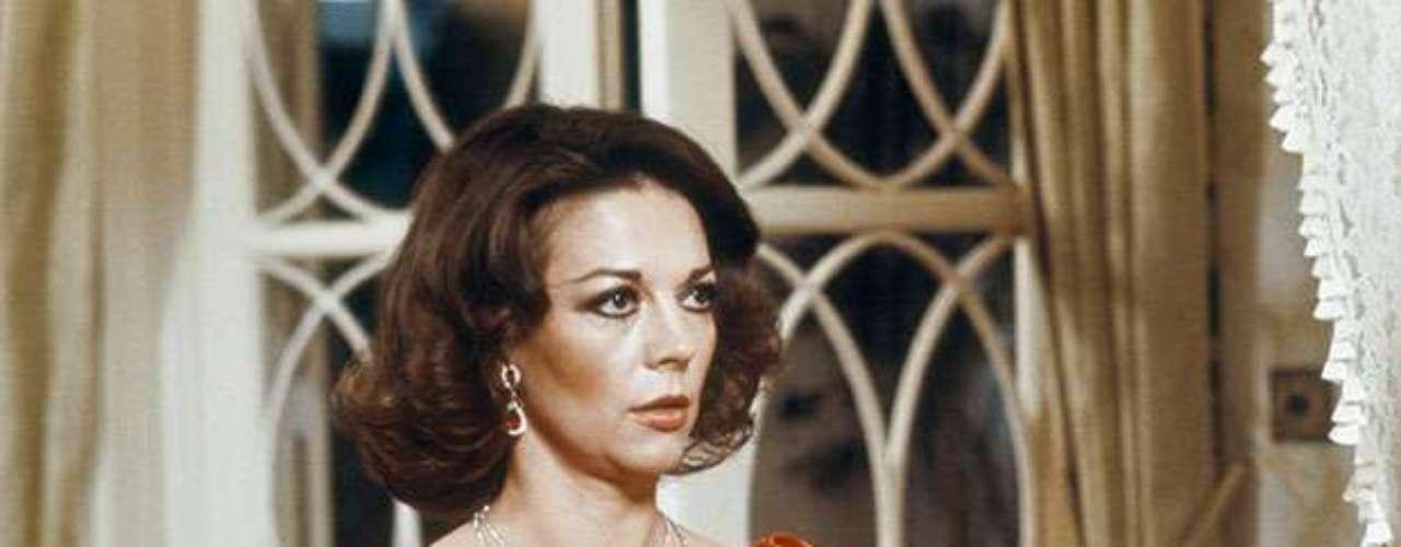Natalie Wood falleció al caer de un barco.