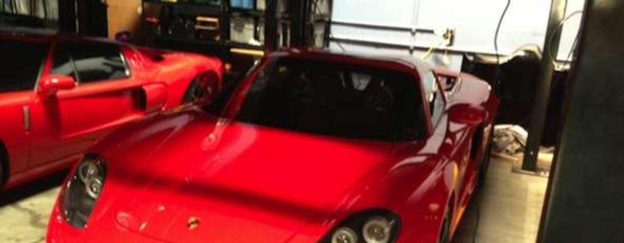 El Porsche Carrera GT de Paul Walker. El último coche en el cual se subió Walker fue en el Porsche Carrera GT de Rodas.