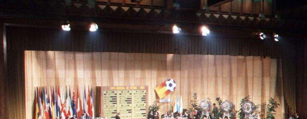 Sorteo en 1982 en el Palacio de Exposiciones y Congresos