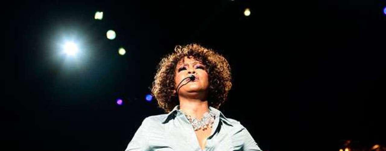 Whitney Houston falleció a los 48 años. La artista fue encontrada en la bañera de su hotel de Beverly Hills.