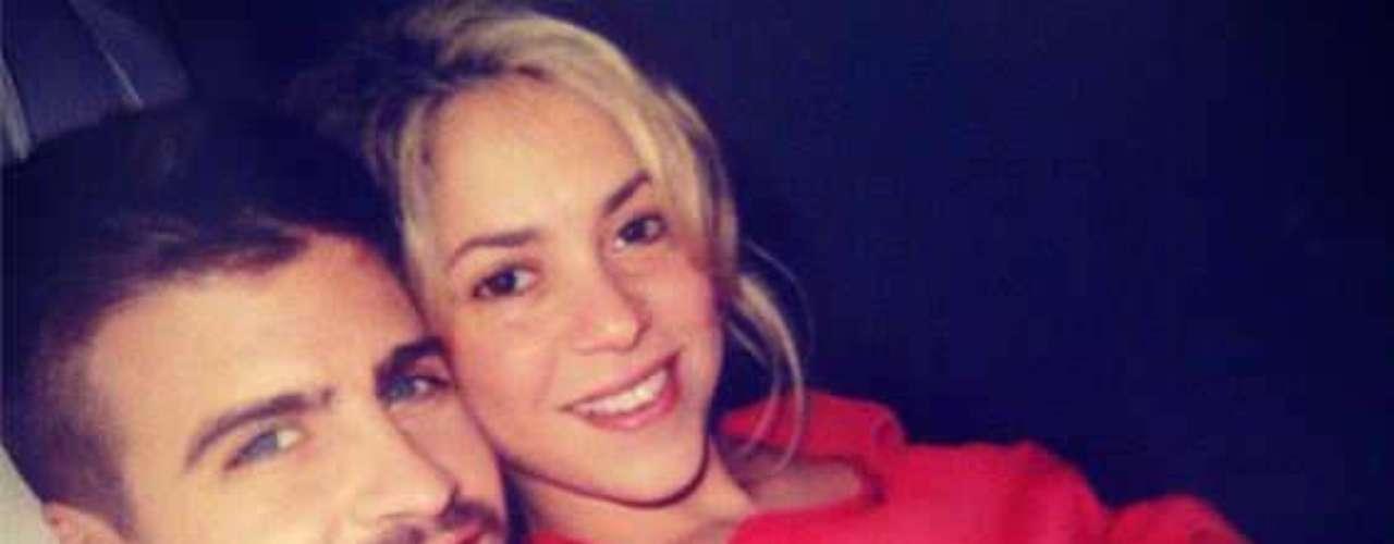 Shakira se convirtió en madre por primera vez el 22 de enero del 2013. Ella y su novio Gerard Piqué llamaron al niño Milán.